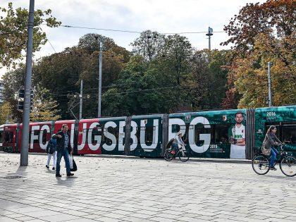 Straßenbahnwerbung FC Augsburg